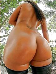 Ebony Smooth Clit