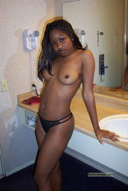 Ebony naked amature